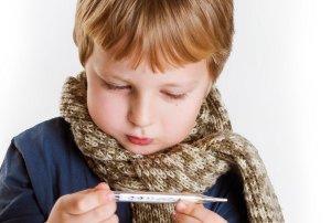 Sausas, drėgnas, naktinis, lojantis, priepuolinis. Koks jūsų vaiko kosulys?