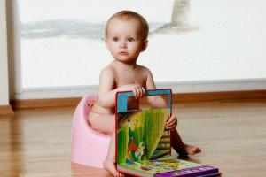 5 strategijos, ko reikėtų imtis, norint mokyti mažuosius pradėti naudotis puoduku/tualetu