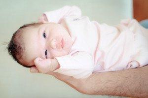 Kūdikis tuštinasi kas 10 dienų? Nekelkite panikos