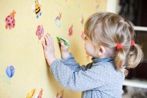 piešia ant sienų
