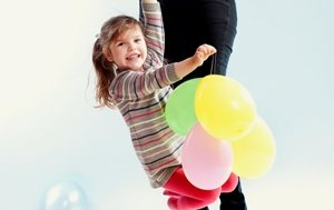 Mitai apie vaikų ausų priežiūrą: sudie higieniniai pagaliukai, spiritiniai kompresai ir kambarinės kepurytės