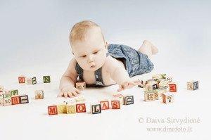 Mitai apie medinius žaislus: sunkūs, brangūs, senamadiški. O iš tiesų?