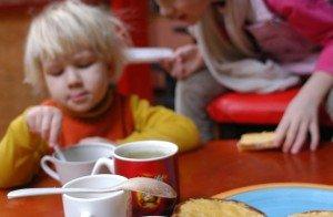 nevalgo darželyje
