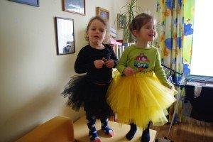 Kodėl mergaitėms reikia princesės sijonų ir karūnų