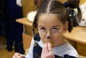 Akių gydytojai: reklama per TV gali būti naudinga vaiko akims
