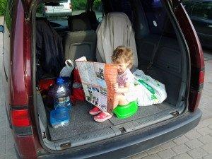 Erdvi automobilio bagažinė gali tapri ir uždaru tualetu