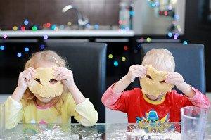 20 idėjų, ką veikti namuose visai šeimai, kad būtų įdomu ir vaikams, ir tėvams
