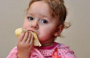 Prieskoniai vaikų maiste – nuo kada ir kokių dėti