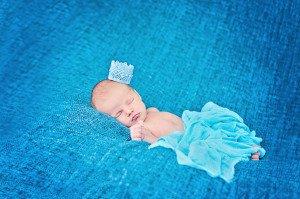 Kaip supirkti kūdikio kraitelį ir neapsikrauti daiktais