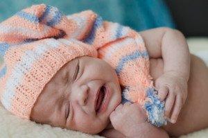 Jei kūdikis nepaliaujamai keliasi žįsti naktį