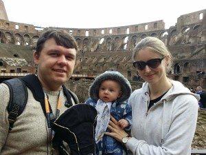 Patirtimi dalinasi keliaujanti šeima – Diana, Žilvinas ir mažasis Nojus.