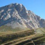Corno Grande 2912 m. aukščiausias kalnas Pirėnų kalnų grandinėje