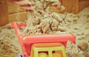 Žaidimai smėlio dėžėje rodo vaiko emocinį stabilumą