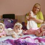 10-men-pasiruosimas-fotosesijai-uztrunka-nes-papuosti-reikia-ne-viena-o-keturias-princeses