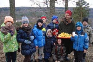 Vaikų gimtadienius šeima irgi švenčia gamtoje, šį kartą – ant Barsukynės kalno