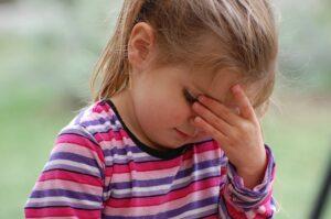Tėvų nekalbadieniai labiausiai skaudina vaiką