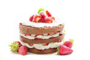 Braškių kremo tortas