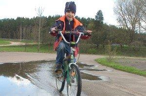 Kineziterapeutės patarimai, kaip išrinkti vaikui pagal ūgį ir amžių tinkamą dviratį