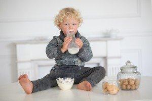"""Kokio riebumo pienas labiausiai tinka vaikui ir kiti """"pieniški"""" klausimai"""