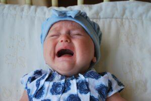 Pilvo diegliai kūdikį gali kankinti dėl... tualeto gaiviklio kvapo