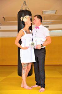 Vestuvių fotosesija vyko sporto salėje_optimized
