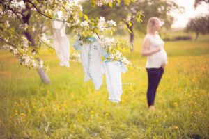 Išsirinkti skalbimo priemonę, kuri tiktų vaiko drabužiams – ištisas Mendelejevo mokslas