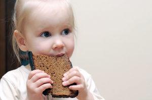 Mitybos specialistas prof. Rimantas Stukas: duonos valgome per mažai
