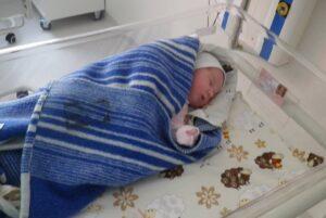 Kūdikių vyniojimas grįžta į madą. Kodėl prieš 20 metų jis buvo paneigtas, o dabar vėl populiarėja?