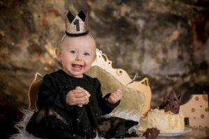 Pirmojo gimtadienio vaišės – tortas su motinos pienu