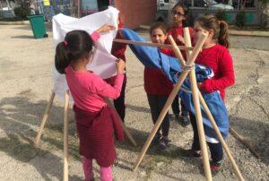 Kodėl užsieniečiams taip patinka lauko darželiai ir mokyklos