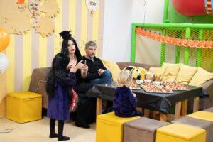 Iš viešumos dingusi Erika Purauskytė su šeima sostinėje trankiai atšventė Heloviną: ši diena jau tapo mūsų šeimos tradicija
