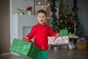 Netrukus vaikai pradės rašyti laiškus Kalėdų Seneliui – tėvų vaidmuo čia didžiulis