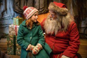 """Ar gali viena maža mergaitė išgelbėti Kalėdas? Sužinosite filme """"Sukeisti Kalėdų Seneliai 2. Pamirštos Kalėdos"""""""