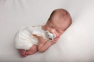 5-S metodas kūdikiams nuraminti – tik penktu punktu minimas čiulptukas
