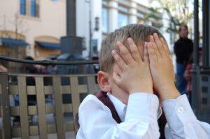 Dėl koronaviruso baimės vaikas šlapinasi į lovą