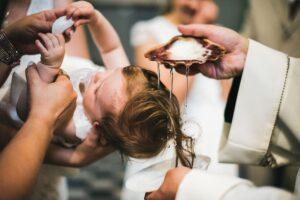 Krikštynos atidėtos, bet jos būtinai įvyks. Kaip gražiai nufotografuoti