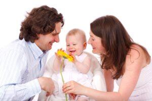 Ribos ar laisvė auklėjant vaikus? Pagarbiosios tėvystės filosofija turi atsakymą