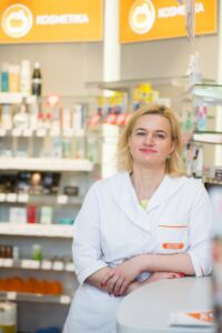 """""""Gintarinės vaistinės"""" vaistininkė-vedėja Edita Stankevičiūtė."""