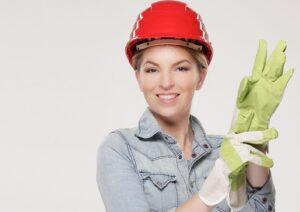 Kirpėjos profesija mažiau suderinama su nėštumu, nei statybininkės. Kodėl?