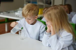 Eksperimentai padeda geriau išmokti