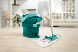 Kaip išplauti grindis, kad dingtų 99 proc. virusų ir bakterijų?