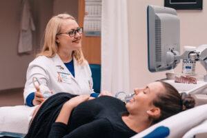 Ultragarsinis tyrimas nėštumo metu – kada jis atliekamas ir kaip jam pasiruošti