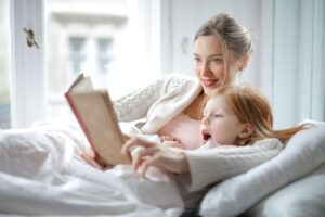 10 patarimų, kaip sudominti vaiką skaitymu