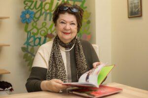 Naujiems mokslo metams – Violetos Palčinskaitės linkėjimai ir nauja knyga