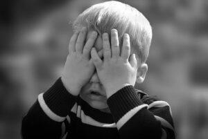 Nuo 3 metų vaikus mokykite, kad niekas negali liesti intymių jo kūno vietų