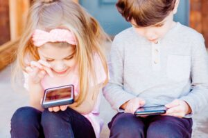Kaip suaugusiems, taip ir vaikams reikalinga pusiausvyra 8:1 tarp pozityvių ir negatyvių komentarų
