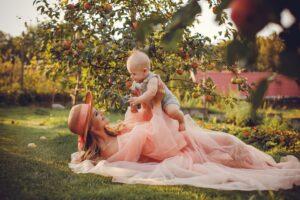 Sėkmingai išmaitinti kūdikį galima ir viena krūtimi – apie tai Jelenos istorija