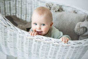 Trumpas liežuvio pasaitėlis būna vienam iš 10 kūdikių. Ar trukdys valgyti ir kalbėti?