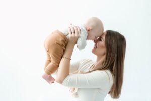 Žaidimėliai, kurie tinkami žaisti su 4–6 mėnesių kūdikiu