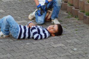 Vienas dažnesnių įvykių vaiko gyvenime – jis tiesiog nukrito